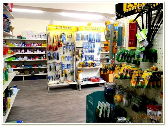 Gloucestershire builders merchants garden and home supplies